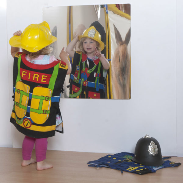 Children's Plastic Safety Mirror: 550mm Square M1001