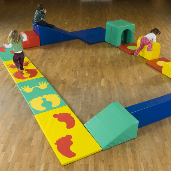 600 Spaces4Play Gym Plaza 600 (with storage sacks) T5001/Store
